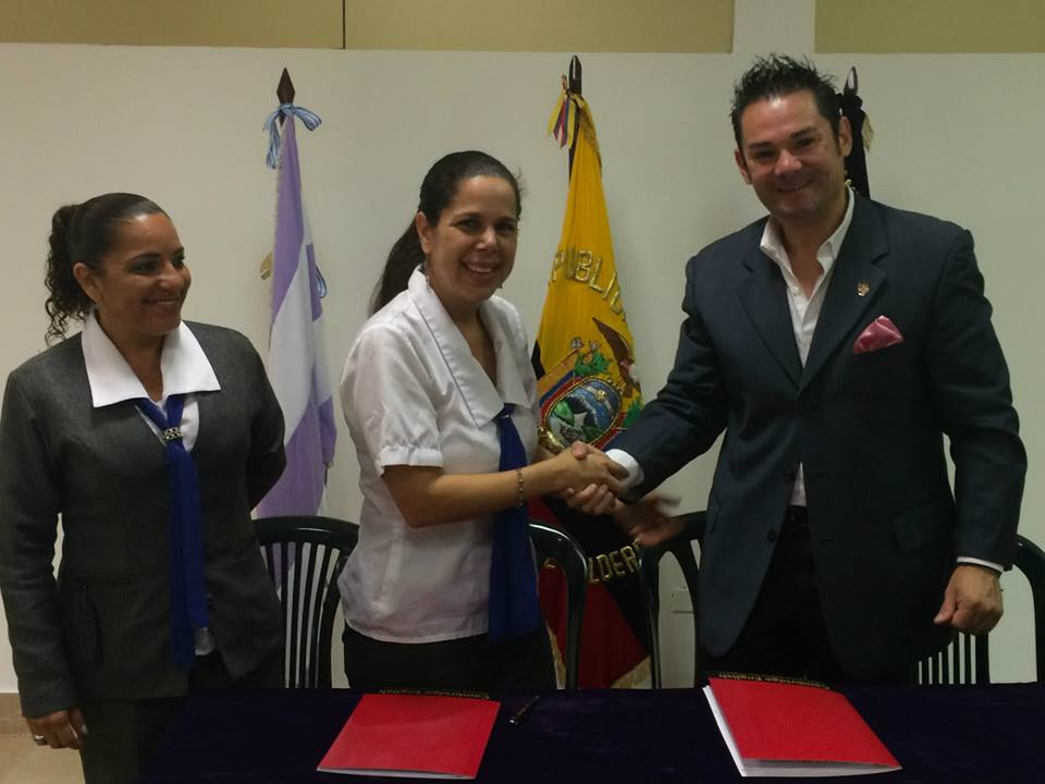Firma del Convenio Cambridge English School
